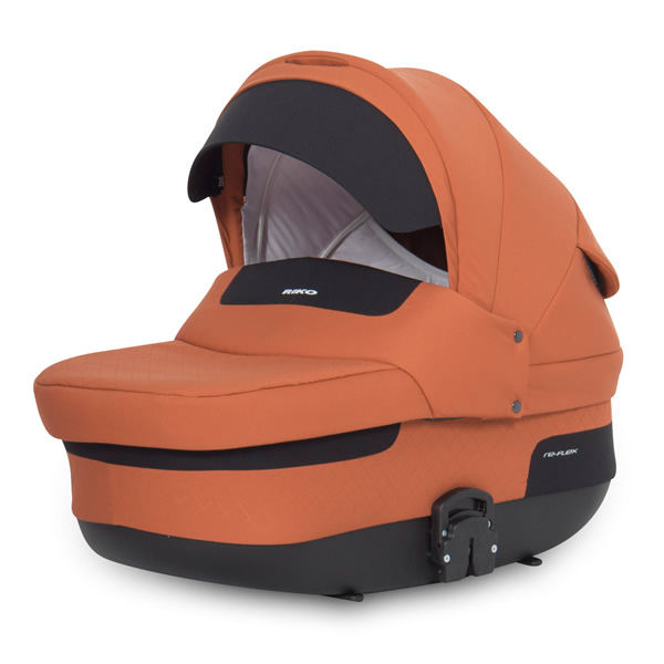 Re-Flex External back rest adjustment in carry cot